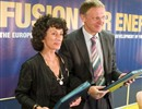 Inauguration event, 28 June 2007. Spanish Minister Cabrera Calvo-Sotelo and Commissioner Potocnik after the signature of the Host Agreement