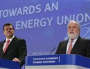 "European Commissioner for Energy Union, Maroš Šefcovic (L), and EU Commissioner for Climate Action and Energy, Miguel Arias Cañete (R) unveil the ""Energy Union"" package during a joint press conference."
