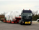 The first 100 m3 emergency tank being delivered to ITER.